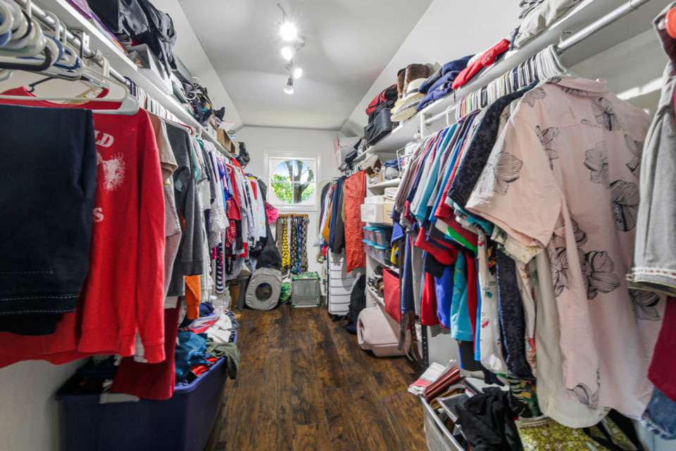 15 - Walk In closet